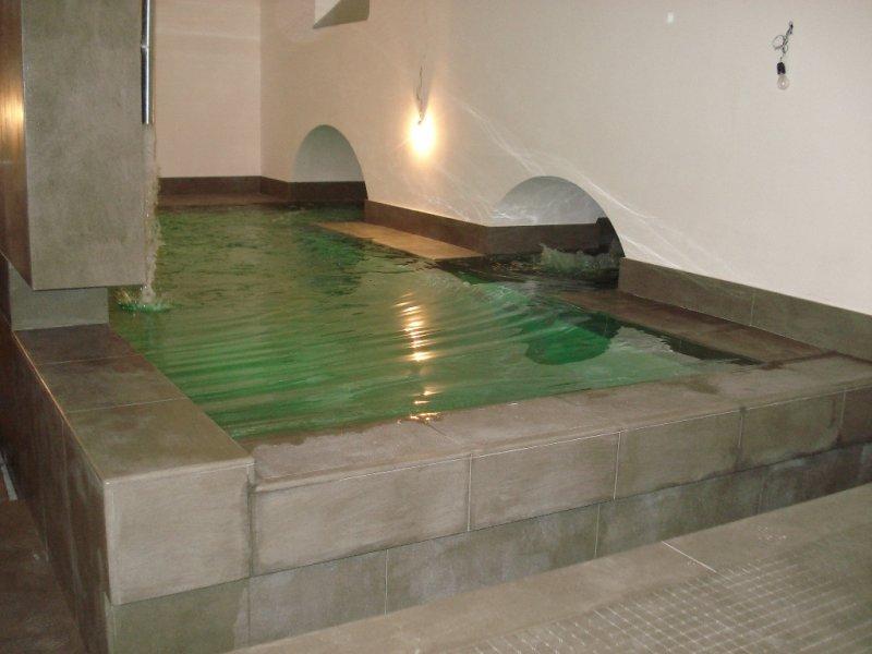 Piscina interna riscaldata vendita installazione piscine - Piscine da interno ...