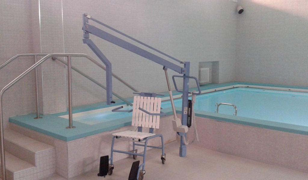 sollevatore per disabili per piscina