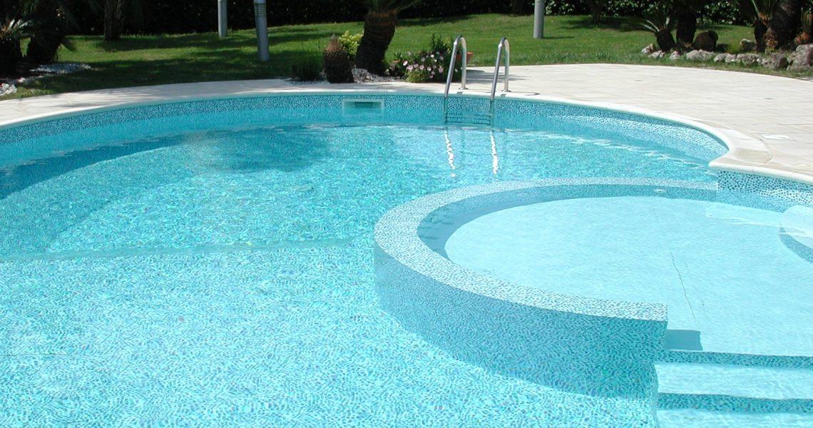 elettrolisi dell'acqua in piscina