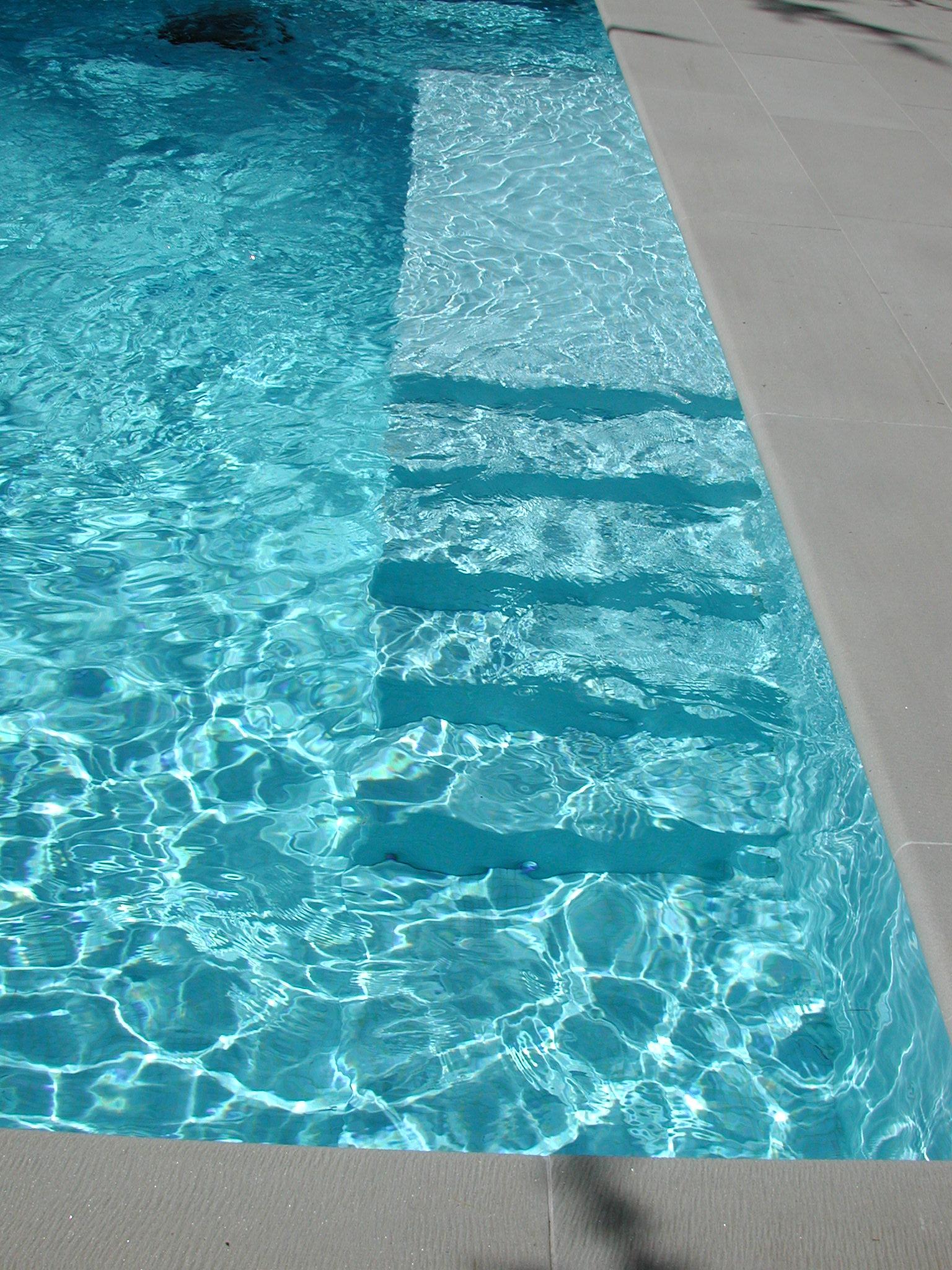 elettrolisi del sale in piscina