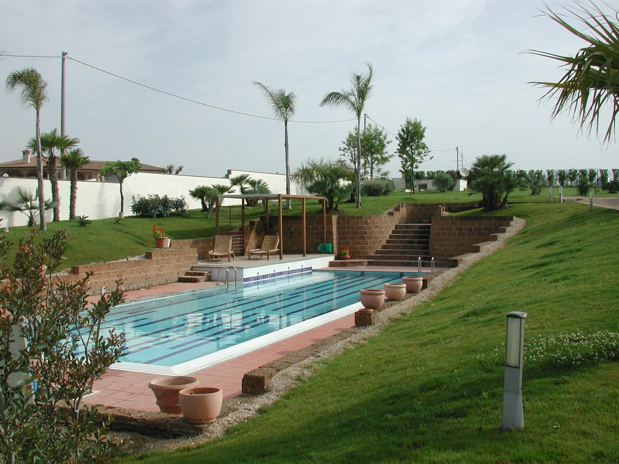 Piscine interrate in cemento la forza della tradizione vendita installazione piscine a roma - Piscina in cemento ...