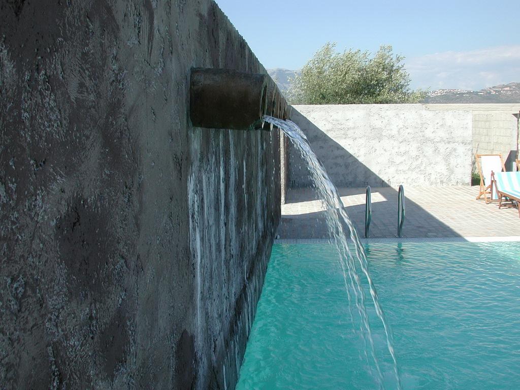 fasi di installazione piscina in pannello
