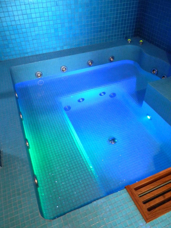 Roma vasche idromassaggio personalizzate e docce - Bagno turco in muratura ...