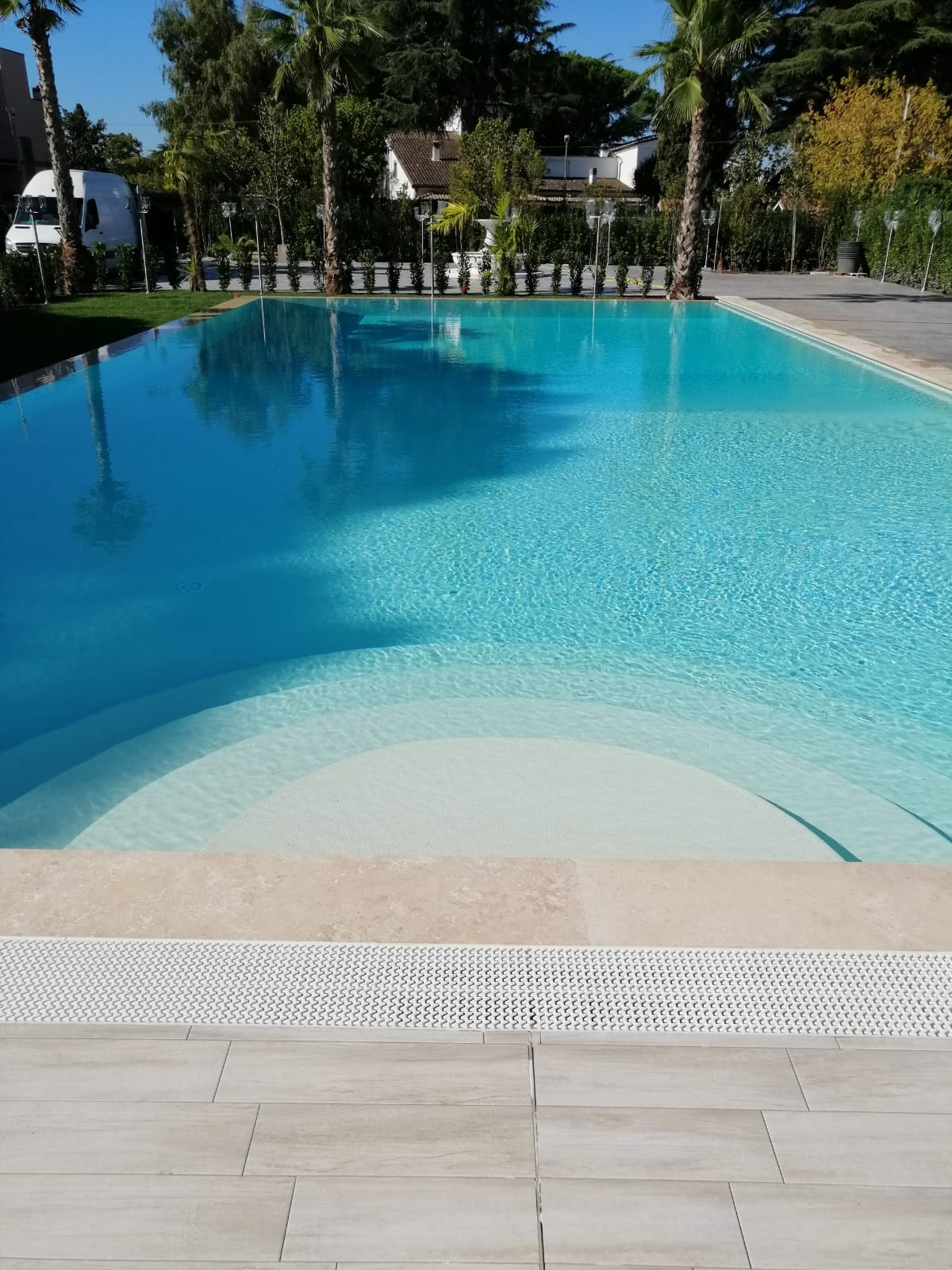 Piscine Sfioro A Cascata piscina con sfioro a cascata piscina con sfioro a cascata