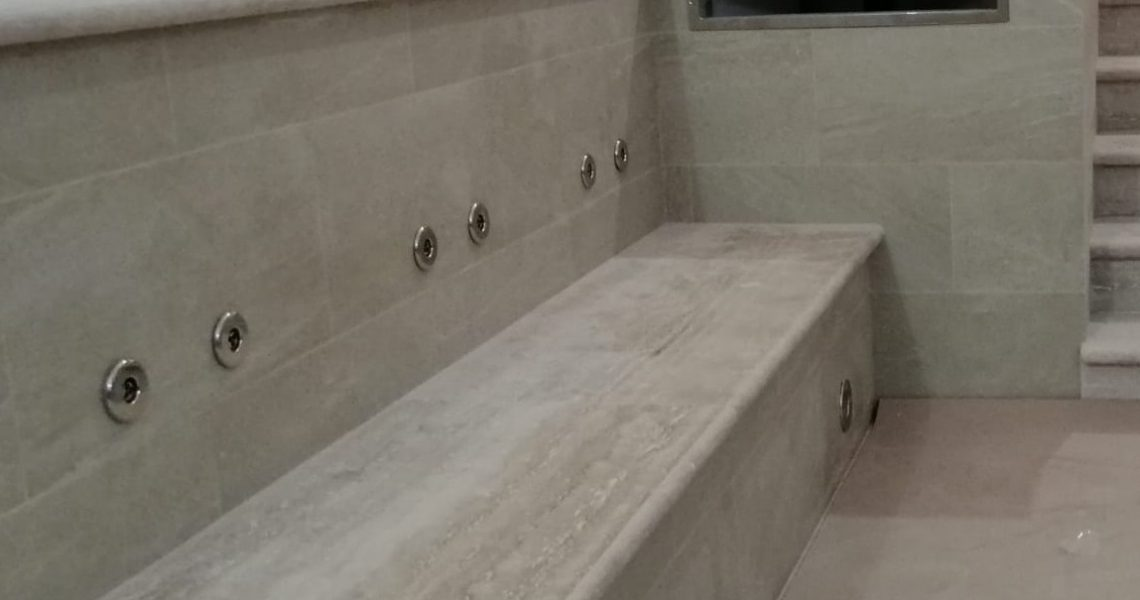 piscina interna riscaldata in hotel roma