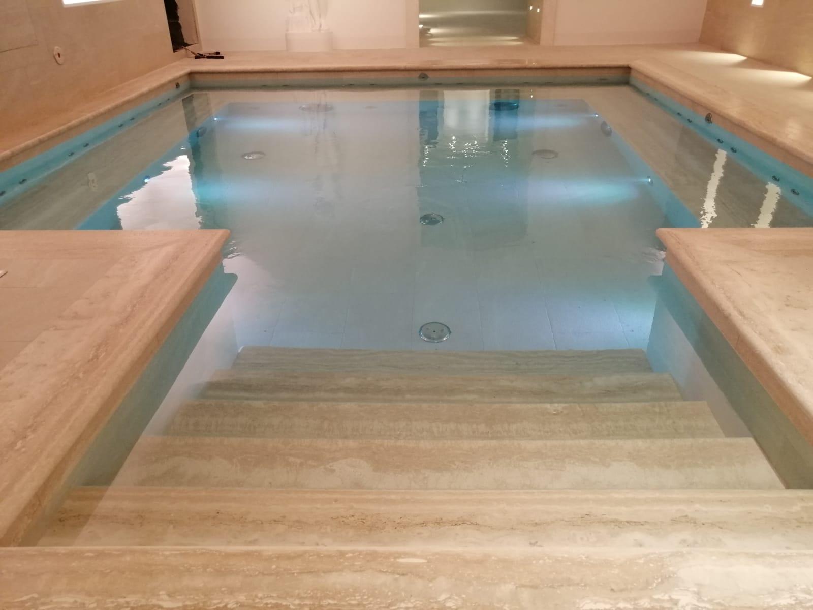 piscina idromassaggio